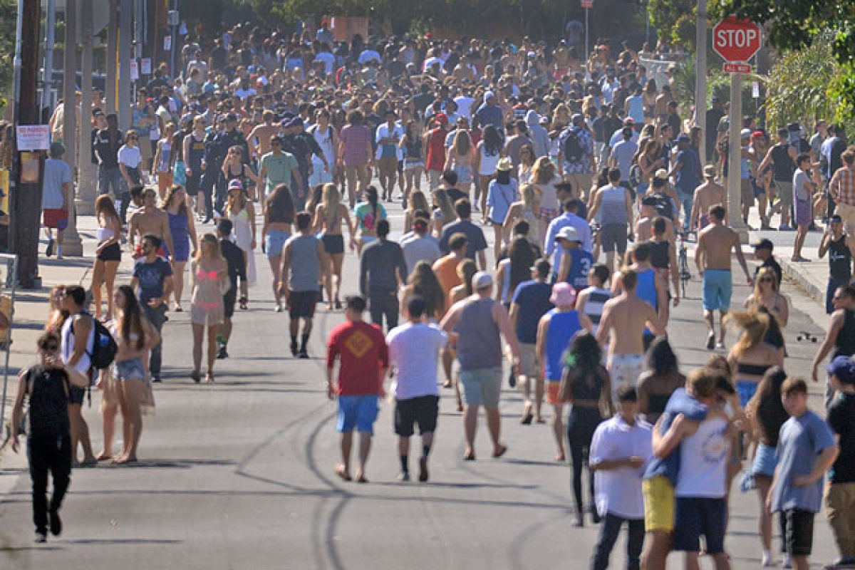 As Isla Vista Deltopia Looms, UCSB and Law Enforcement Cautiously ...