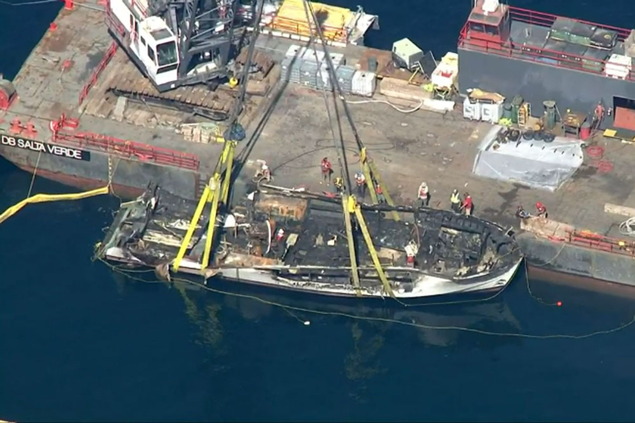Conception Dive Boat Wreckage Recovered Being Transported For Probe Into Deadly Fire Local News Noozhawk Com