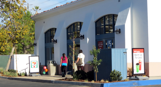 A 7-Eleven convenience store opened this week at 402 N. Milpas St., the first for Santa Barbara's Eastside neighborhood. (Gina Potthoff / Noozhawk photo)