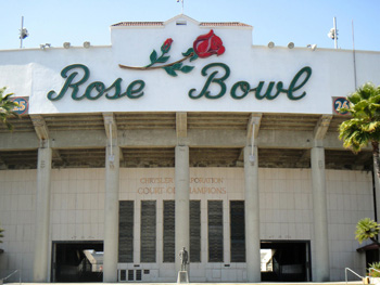 The Rose Bowl stadium. (Judy Crowell / Noozhawk photo)