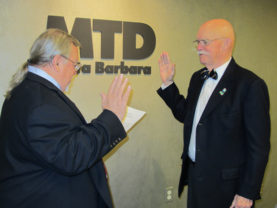 Santa Barbara Metropolitan Transit District board chair Dave Davis, left, swears in Ed Easton on Tuesday. (Santa Barbara Metropolitan Transit District photo)