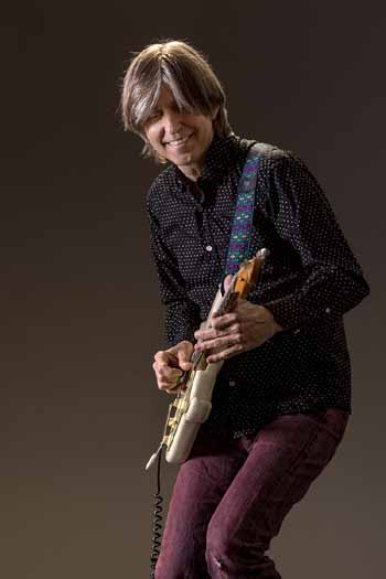 "Guitarist Eric Johnson will perform ""Cliffs of Dover"" and the rest of his 1990 breakthrough album in Ventura next week."