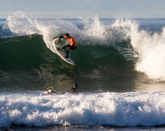 Sunday's surf was as spectacular as the weather at the 2009 Deckers Rincon Classic.