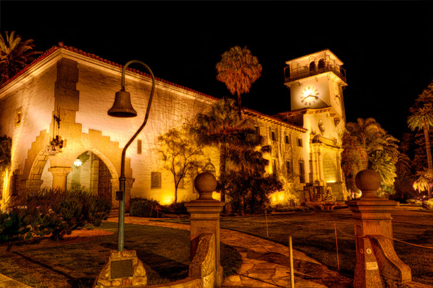 <p>This photo of the Santa Barbara Courthouse was taken at night using three separate exposures.</p>