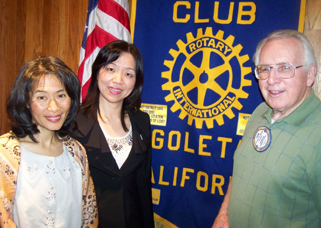 Dick Temple, program chair for the Rotary Club of Goleta, welcomes Beatrice Meier, left, special project executive for New Tang Dynasty Television (NTDTY) in Los Angeles, and Wen Chen, NTDTY public relations specialist. (Rotary Club of Goleta photo)