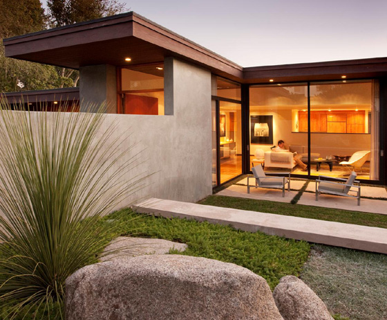 Allen Associates Construction received a Best of Houzz design award for its work on the Montecito Mid-Century whole house remodel. (Allen Associates Construction photo)