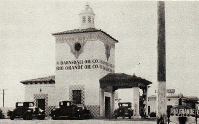 The Barnsdall-Rio Grande gas station in its full-service heyday. (GoletaHistory.com photo)