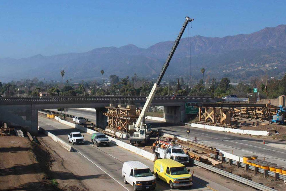 Overnight lane closures on a stretch of Highway 101 in Carpinteria will begin Monday to accommodate nearby construction, according to the Santa Barbara County Association of Governments