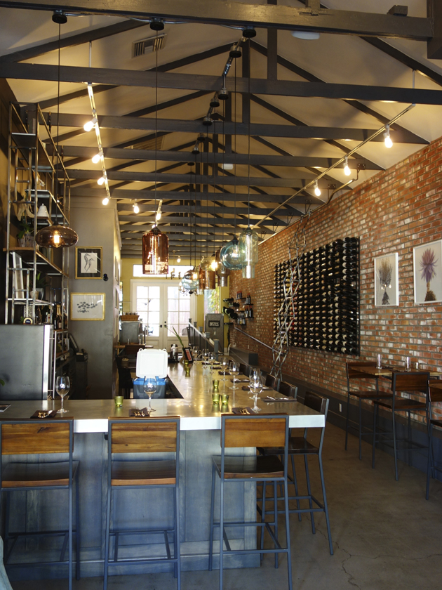 Thomas Hill Organics is a bistro and wine lounge featuring creative American cuisine in a charming patio setting.