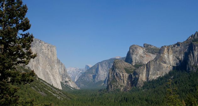 <p>Yosemite National Park&#8217;s Tunnel View off Highway 41 offers an expansive view of the Yosemite Valley.</p>