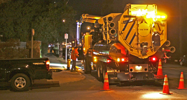 <p>Firefighters and publilc works crews responded Thursday night to a sewage leak outside a multi-unit apartment building on Bath Street in Santa Barbara.</p>