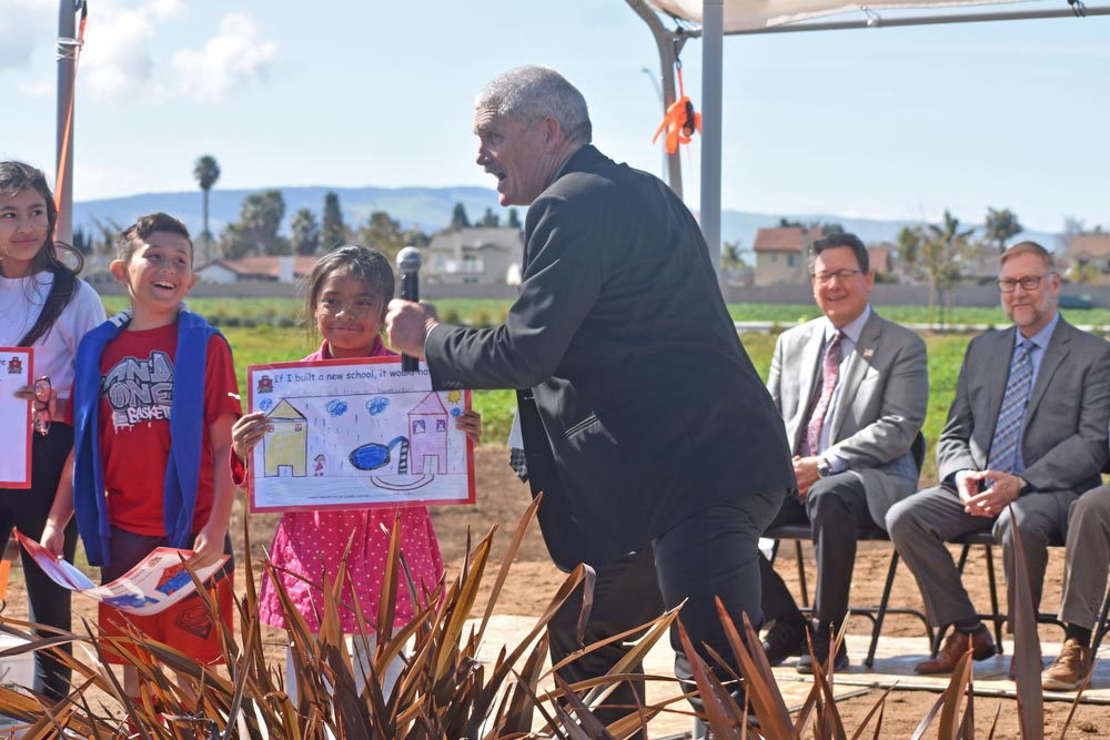 Santa Maria-Bonita school groundbreaking