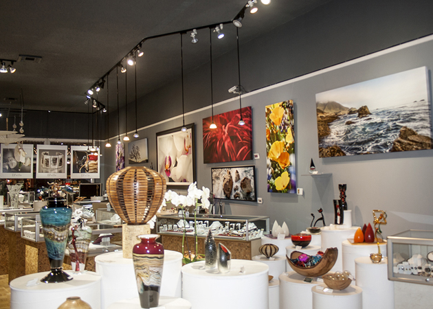 <p>Z Folio Gallery&#8217;s biggest challenge in achieving its green certification was finding lighting that would complement its display of artwork and jewelry while reducing energy consumption.</p>