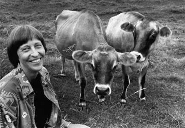 <p>Composer Gwyneth Walker and friends share a happy moment.</p>