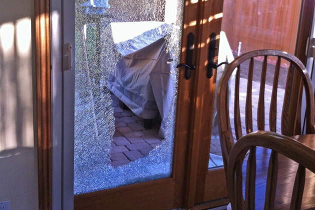 The backyard point of entry of a residential smash-and-grab burglary in Bel-Air Knolls. (Kim Clark / Noozhawk photo)