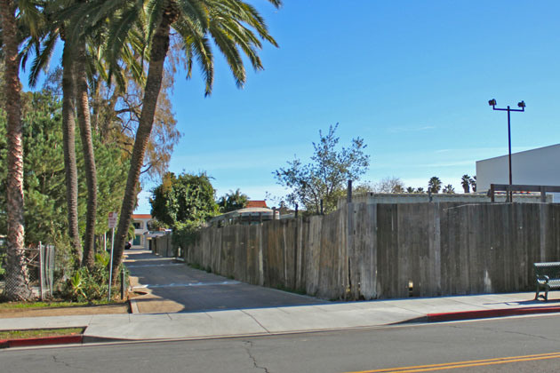 A 15-unit mixed-use project proposed for this parcel at 116 E. Cota St. in Santa Barbara was sent Monday by the ABR to the Planning Commission for review.
