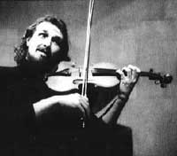 Fiddler and local hero Gilles Apap returns to Santa Barbara as a soloist with the symphony.