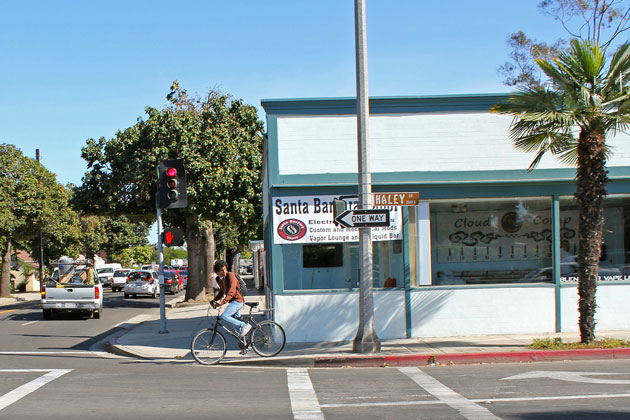 Santa Barbara's bicycle master plan outreach efforts have been criticized by city officials and members of the public for being biased and incomplete.