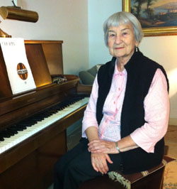 Florence Katz, a 90-year-old Julliard-trained pianist, will perform for
