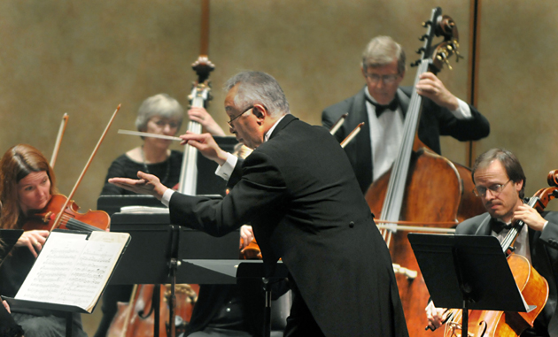 <p>The Santa Barbara Chamber Orchestra plays under the direction of conductor Heiichiro Ohyama.</p>