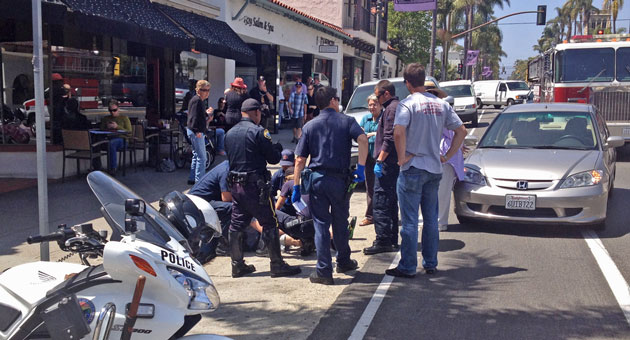 <p>A bicyclist was injured Wednesday in a crash on State Street on Santa Barbara. While emergency personnel were tending to the victim, someone stole his bike, according to police.</p>