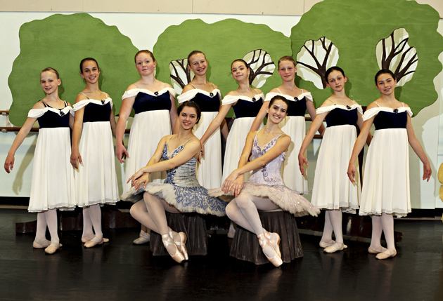 <p>Moonbeams as you&#8217;ve rarely seen them in Santa Barbara Festival Ballet&#8217;s <em>Enchanted Forest</em>.</p>
