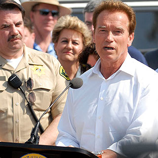 Addressing a Santa Barbara news conference before touring the Jesusita Fire area, Gov. Arnold Schwarzenegger vowed to