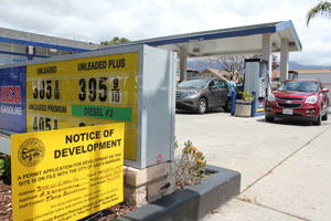 The Planning Commission approved USA Gas' conditional-use permit over concerns of two members that the gas station doesn't comply with historic district design standards. (Joshua Molina / Noozhawk photo)