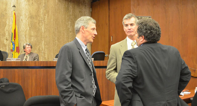 Caltrans director Malcolm Dougherty, left, SBCAG executive director Jim Kemp and Caltrans District 5 director Tim Gubbins chat during Thursday's meeting about the Highway 101 widening project through Montecito. (Giana Magnoli / Noozhawk photo)