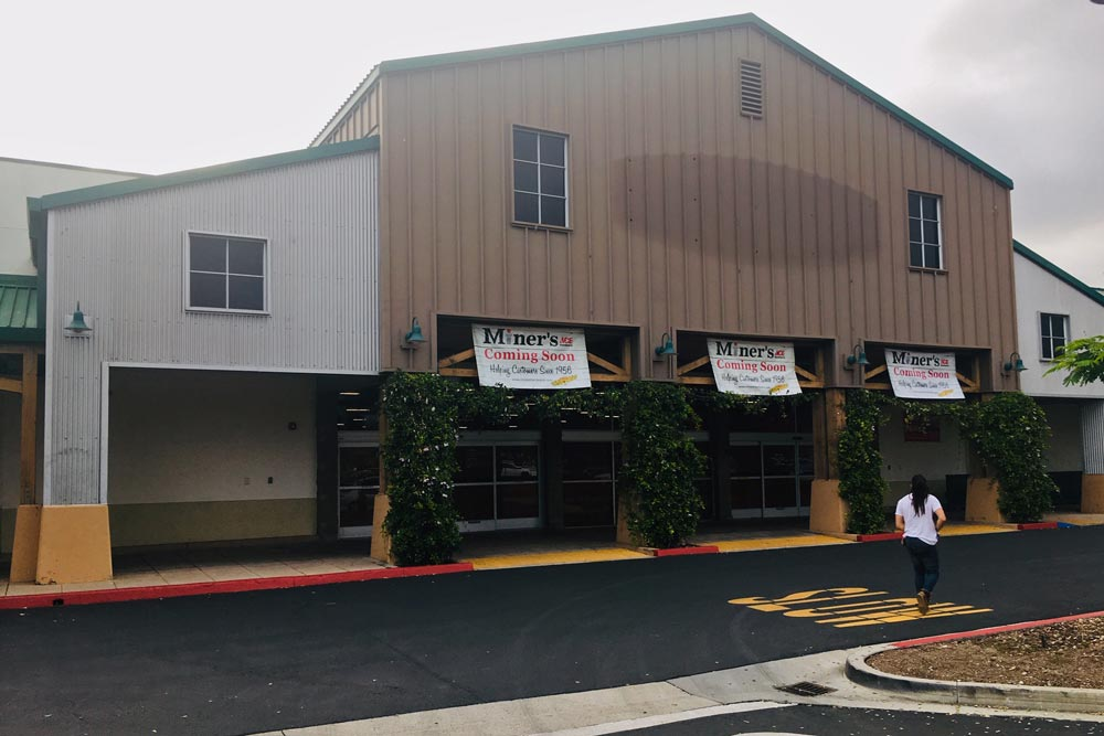 Bizhawk Miners Ace Hardware Moving Into Osh Building In Goleta