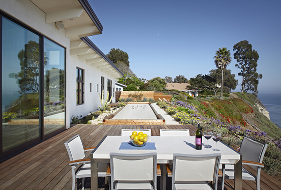 <p>Allen Associates Construction&#8217;s Mesa Mid-Century whole-house remodeling project earned national and regional awards.</p>