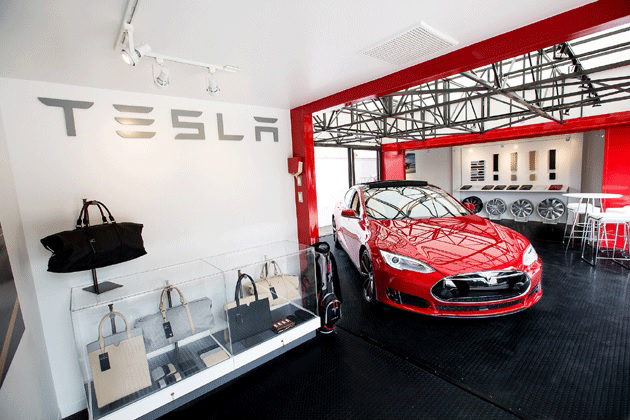 A mobile Tesla Motors retail store has opened on Carrillo Street in Santa Barbara, where it will remain for a month beginning Friday.