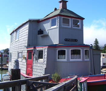 Sausalito is best experienced while staying on a houseboat.
