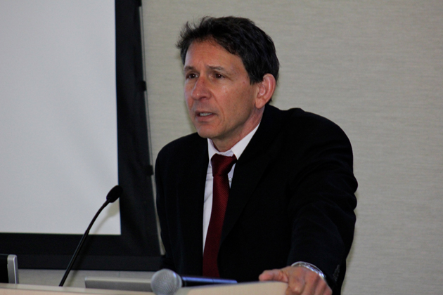 <p>Mark Schniepp, director of the California Economic Forecast, presents the results of a Coastal Housing Coalition study on housing trends and their implications during a workshop held Friday at UCSB.</p>