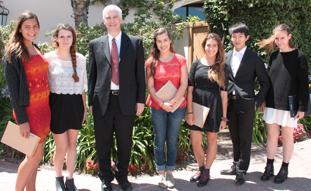 <p>Channel City Club speaker and national security expert Frederick Fleitz with Anacapa School students, from left, Lara Kostruba, Lia Milar, Grace Strelich, Emilia Artusio and Jae Heun Roe.</p>