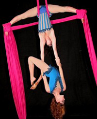 The La Petite Chouette Aerial Dance Company uses six classic aerial apparatuses, including trapezes.