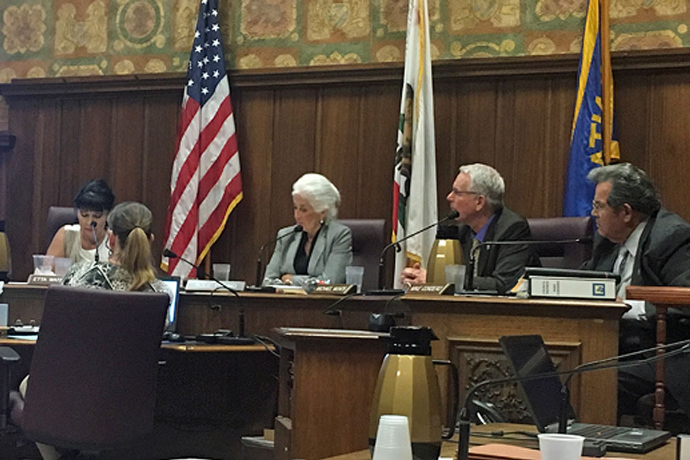 The Santa Maria City Council agreed this week to ask city employees to take voluntary time off without pay as part of its efforts to overcome a budget shortfall.
