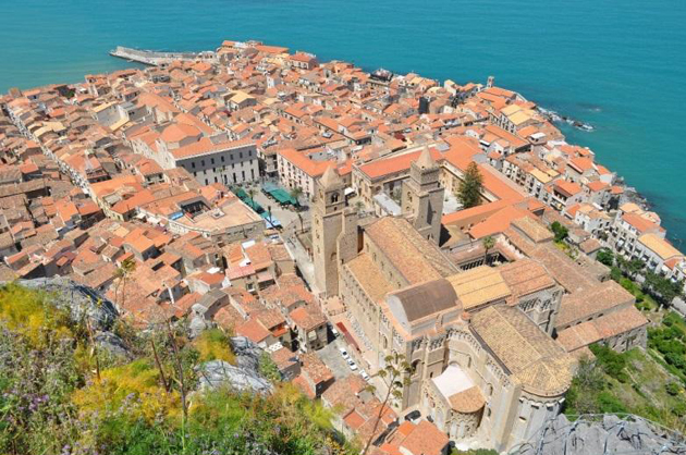 <p>View of the Medieval town of Cefalu, Sicily, and its Cathedral.</p>