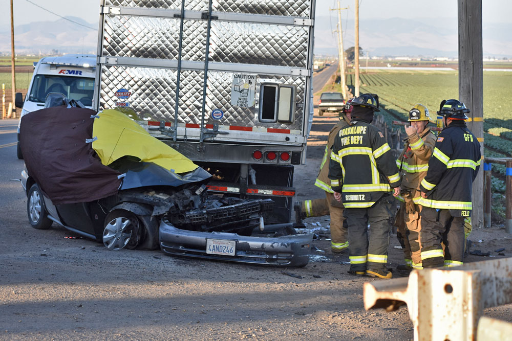 Two People Killed In Crash Involving Big Rig Near Guadalupe Local