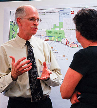 County planner Allen Bell talks open space and agriculture with Santa Barbara resident Joanne McGarry.