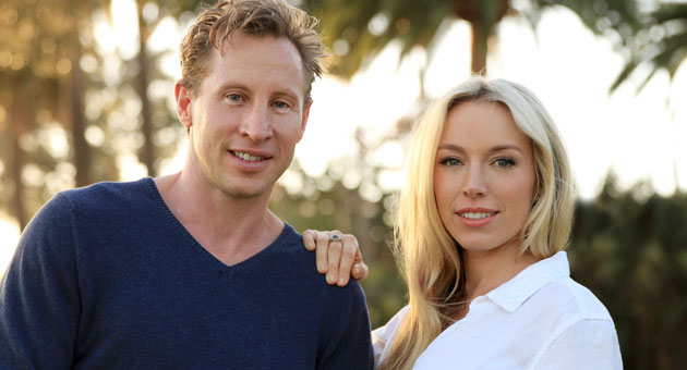 <p>Eric and Gwen Jones have launched ADASA, a website that exclusively sells higher-end women's contemporary wear and accessories.</p>