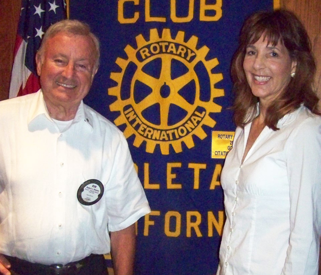 Rotary Club of Goleta program chair Bob Stevens welcomes journalist, author and guest speaker Kathleen Sharp. (Rotary Club of Goleta photo)