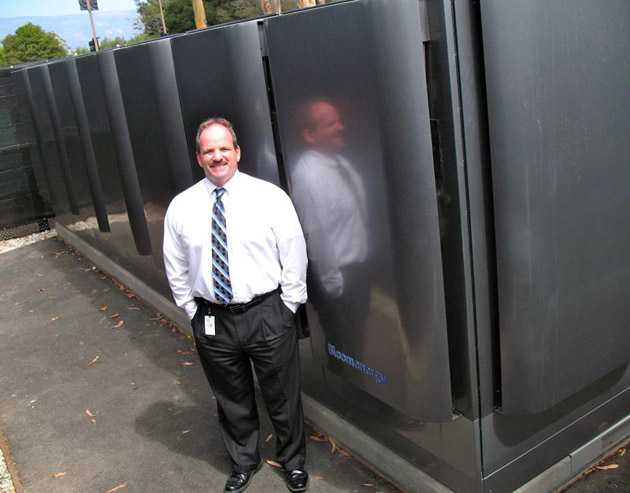 David McHale at UCSB with the Bloom Energy Server, a unique new energy system that uses fuel cell technology. (George Foulsham photo / UCSB Office of Public Affairs)