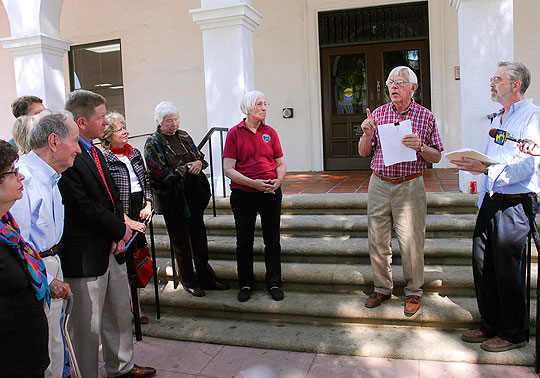 Measure B supporters gathered outside Santa Barbara City Hall as Measure B proponent Bill Mahan denounced alleged push-polling by opponents of the Nov. 3 ballot initiative to lower building heights.