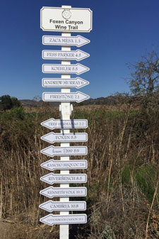 New wine trail sign designed to help travellers.