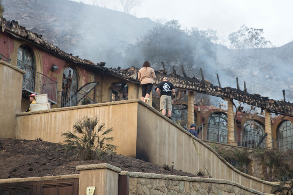 Park Hill Lane in Montecito bore the brunt of the Thomas Fire's incursion into the Montecito foothills. (Zack Warburg / Noozhawk photo)