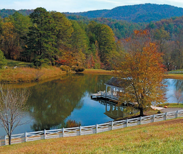 Autumn splendor is abundant at Walland Pond on Blackberry Farm, a multiaward-winning haven on a 4,200-acre pastoral working farm, nestled at the northern foot of the Great Smoky Mountains in Walland, Tenn. (Judy Crowell / Noozhawk photo)