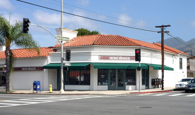 Brombal Coins & Jewelry will move to the 3,585-square-foot building at 3000 State St. in Santa Barbara formerly occupied by HoneyBaked Ham. (Hayes Commercial Group photo)