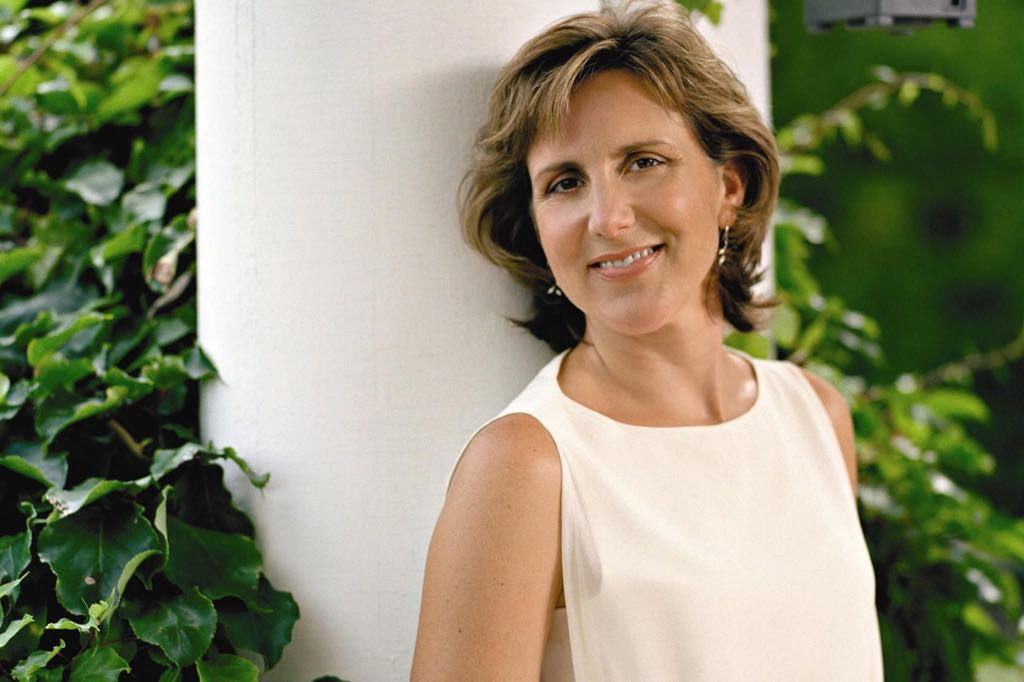 Soprano Dawn Upshaw will offer a CAMA Masterseries recital at the Lobero Theatre on Sunday.