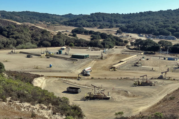 Company officials say low oil prices have Santa Maria Energy 'hunkering down,' but plan for a major oil development in the Orcutt Hills are still on track.